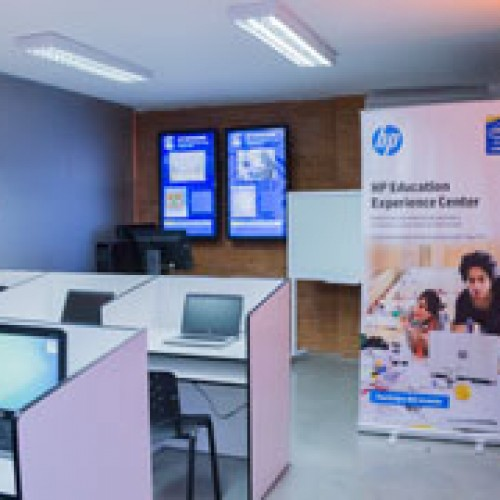 Presentan renovado Education Experience Center