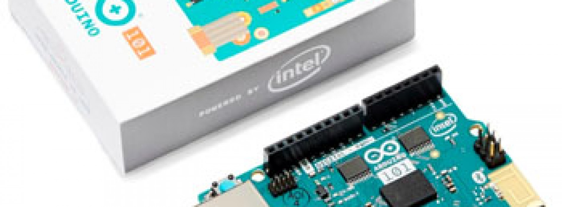 Placa de desarrollo conectada a programa educacional para enseñar  tecnología