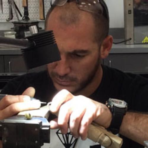 Incorporan tecnología a la creación de anillos y otras piezas de joyería